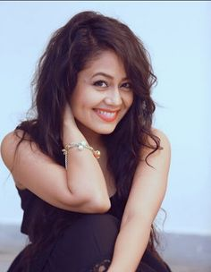 Dimple queen Neha Kakkar, My Only Love, Games For Teens, Famous Singers, Beauty Queens, Dimples, Bollywood, Celebs, Selfie