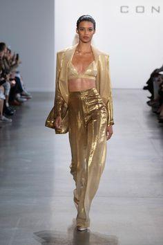 Fashion Catwalk, Fashion 2020, New York Fashion, Look Fashion, Fashion Show, Fashion Design, High Fashion Models, Fashion Goth, Party Fashion