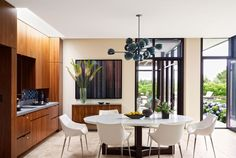 Modern dining room sets for your home design is the theme today! See, when you are about to decorate your dining room you have to think about the style which. Dining Room Sets, Dining Room Design, Dining Area, New York Architecture, Architecture Interiors, Modern Architecture, Modern Interiors, Planer Layout, Minimalist Dining Room