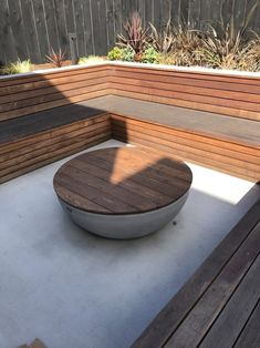 Backyard Landscaping Discover Fire Pit to Coffee Table Converter Deck Fire Pit, Outside Fire Pits, Fire Pit Seating, Fire Pit Area, Backyard Seating, Backyard Patio Designs, Fire Pit Backyard, Backyard Landscaping, Fire Pit Table Top