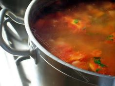 leustean proaspat sau uscat Romanian Food, Romanian Recipes, Cheeseburger Chowder, Dinner Recipes, Good Food, Soup, Cooking Recipes, Tasty, Beef