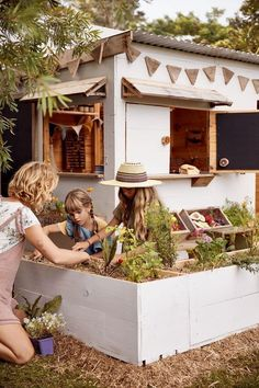 Eco and organic handmade cubby houses by Castle & Cubby Eco and organic handmade cubby houses by Castle & Cubby Babyccino Kids: Daily tips, Children's products, Craft ideas, Recipes & Kids Cubby Houses, Kids Cubbies, Play Houses, Casas Magnolia, Backyard Playset, Backyard Fort, Casa Kids, Outdoor Play Areas, Kids Outdoor Spaces