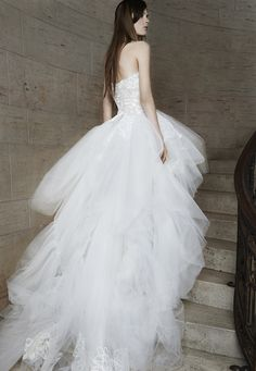 Yes to this Vera Wang wedding dress | Spring 2015