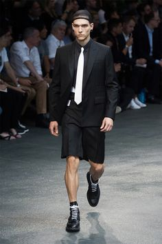 givenchy-ss15_fy5