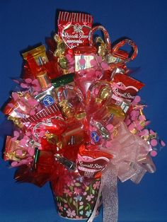 candy arrangement - I would love to make these for valentines day for the kids. Such a good idea