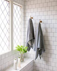10 Stylish Wall Hooks That Create Storage Out of Thin Air - Foodmaster Bathroom Renos, Bathroom Wall, Bathroom Interior, Master Bathroom, Bathroom Ideas, Budget Bathroom, Bathroom Designs, Bathroom Towel Hooks, Bath Towels