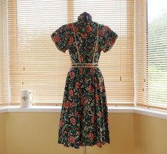 Items similar to / Marion Donaldson Liberty print midi floral dress Spring Summer / M L on Etsy Liberty Of London, 1970s, Dress Up, Summer Dresses, Trending Outfits, Unique Jewelry, Floral, Handmade, Etsy