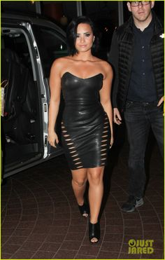 Demi Lovato Rocks Tight Leather Dress In London | demi lovato fans london after dinner leather dress 03 - Photo