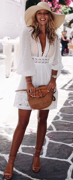 #summer #feminine #style #outfitideas | Lace Little White Dress