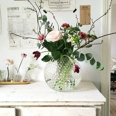 Atlanta Apartment Tour - Affordable Home Decor - Blanket Basket - Poor Little It Girl - Minimal Interior Design Shabby Flowers, Faux Flowers, Love Flowers, Fresh Flowers, Beautiful Flowers, Flower Power, Ikebana, Deco Floral, Affordable Home Decor