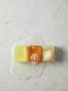 Caesarstone Waschtische zeichnen sich jedoch nicht nur durch seine einzigartige Optik aus. Auch die wasserresistente Oberfläche sowie die warme, angenehme Haptik können in Hinsicht auf ein exklusives Design überzeugen.  http://www.granit-deutschland.net/caesarstone_waschtische-hygienische-caesarstone_waschtische