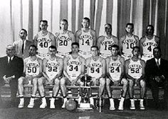 NCAA Championship KENTUCKY SEATTLE 72 March 1958 Louisville Senior Vernon Hatton scored 30 points and the Wildcats overcame a performance by Elgin Baylor to capture their fourth NCAA championship. Kentucky College Basketball, Uk Wildcats Basketball, University Of Kentucky, Kentucky Wildcats, Basketball Teams, Go Big Blue, My Old Kentucky Home, Great Team, Things That Bounce