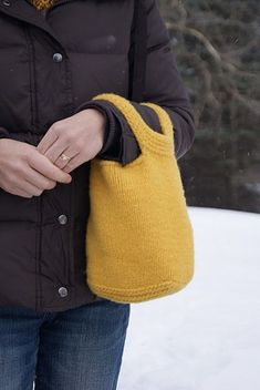 love this little knit bag #knittingpatternsbags
