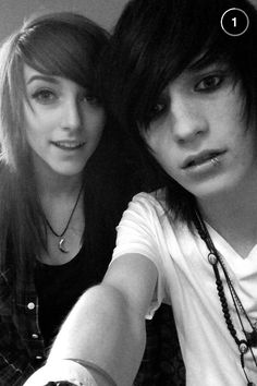 My Digital Escape's new video  Johnnie and Alex are officially dating! cx