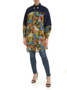 VERSACE JEANS COUTURE TROPICAL BAROQUE OVER SHIRT. #versacejeanscouture #cloth Baroque Pattern, Versace Jeans Couture, Printed Denim, Denim Shirt, Couture Fashion, World Of Fashion, Luxury Branding, Your Style, Tropical