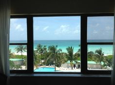 Apartment in Miami Beach, United States. AMAZING OCEAN VIEW    PRIVATE ACCESS TO BEACH & POOL  ****FREE VALET PARKING    LUXURY & EXCLUSIVE Spacious and comfortable Apart-hotel within Historic Oceanfront Building in Miami Beach situated in the millionaire´s row on the famous Collins Aven...