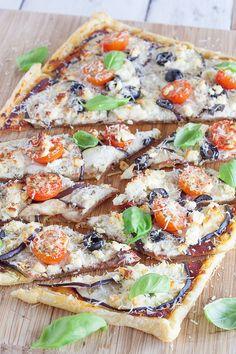 Plaattaart met aubergine en basilicum