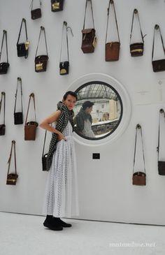muro -espejo + repetición de elementos