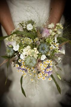 Fountain grass in country bouquet - similar but not too messy