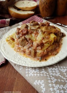 Lasagne montanare Good Food, Yummy Food, Mediterranean Recipes, Polenta, Ravioli, Apple Pie, Lasagna, Italian Recipes, Risotto
