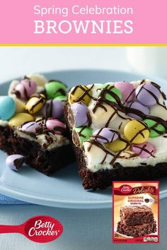 Spring Celebration Brownies - Transform a box of brownies into spring celebration treats with a few simple plus-ups! Dessert Simple, Bon Dessert, Dessert Bars, Dessert Table, Dessert Healthy, Dinner Healthy, Holiday Desserts, Holiday Baking, Easy Desserts