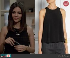 Lindy's black leather trim tank top on Eye Candy.  Outfit Details: http://wornontv.net/45956/ #EyeCandy