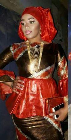 Inspiration mode: 15 modèles de tenue en « Thioup » qui vous le feront adopter | Reines d'Afrique Best African Dresses, Latest African Fashion Dresses, African Print Dresses, African Print Fashion, African Attire, Short Gown Dress, African Fashion Traditional, African Print Dress Designs, African Clothing For Men