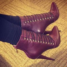 Ziginy Pointed Toe Ankle Booties