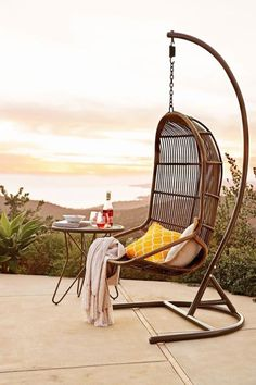 How gorgeous is this outdoor reading chair? This would add a touch of modern style to ay patio -- and create a tranquil reading nook!