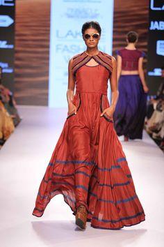 Lakmé Fashion Week – PINNACLE SHRUTI SANCHETI AT LFW SR 2015