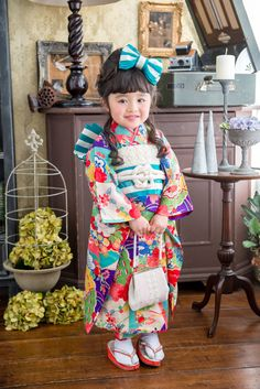 Cute Girl in Yukata Yukata Kimono, Kimono Dress, Traditional Kimono, Traditional Dresses, Oriental Fashion, Asian Fashion, Japanese Kimono, Japanese Fashion, Geisha