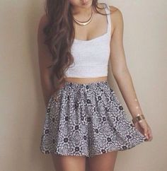 Crop top outfits, skirt outfits, cute outfits, skirt ootd, summer clothes f Summer Outfit For Teen Girls, Cool Summer Outfits, Spring Outfits, Summer Clothes, Outfit Summer, Teen Summer, Skater Skirt Outfit For Summer, Scarf Summer, Black Skater Skirts
