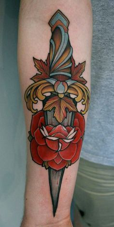 I like thisssss. I've been thinking about getting a dagger of some sort.