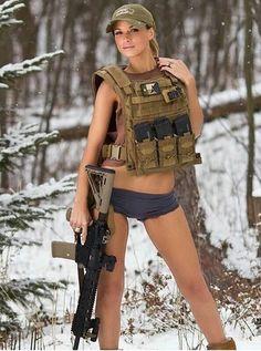 Girls with Guns ❤ Military Women, Military Fashion, Golf Fashion, Badass Women, Sexy Women, Mädchen In Uniform, Female Soldier, Warrior Girl, N Girls