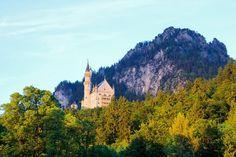 Elsa where ya at? | 6.13.17 . . . . . . . . . . . . . #blogger #travel #travelblogger #blogging #blog #europe #munich #germany #neuschwanstein #castle #mountains #frozen #cityscape #bavaria #travelphotography #happy #eurorodick17 #photography #likeit #fashion #lifestyle #princess #beautiful #alps #bavarianalps #elsa #blogerlife #adventure #mradventures #vacation