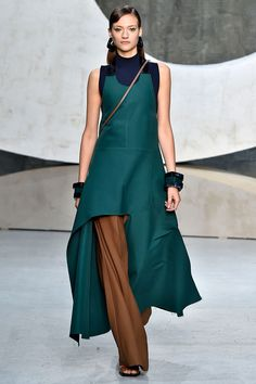 Get To Know The Puppy-Ears Hemline #refinery29  http://www.refinery29.com/marni-puppy-ears-hem-fashion-week-spring-2016-runway-show#slide-6  ...