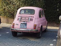 FIAT 500 in the pink