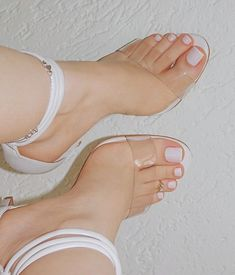 Cute pedicure ideas sandals ideas for 2019 Pretty Toe Nails, Cute Toe Nails, Cute Toes, Pretty Toes, Feet Soles, Women's Feet, Acrylic Toes, Cute Pedicures, Women's Shoes