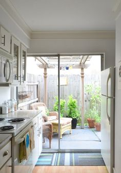 Comfy Kitchen Balcony Design Ideas That Looks Cool 13 Tyni House, House Rooms, Outdoor Kitchen Design, Home Decor Kitchen, Houston Houses, Balcony Design, Home Room Design, New House Plans, Kitchen Sets