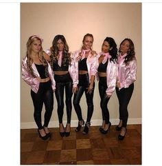 23 Spooky Group Halloween Costume Ideas - Simply Allison Check out best Group Halloween costumes idea that'll you'll besties will absolutely love. Flaunt your squad with these college group halloween costume. Costume Halloween Trio, Girl Group Halloween Costumes, Couples Halloween, Trendy Halloween, Halloween Ideas, Women Halloween, Halloween College, Group Costumes For Girls, Costume Ideas For Groups