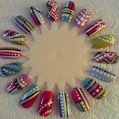 Nail art wheel (dots and stripes) by dawn_nails_jones instagram