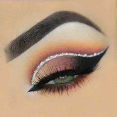 Modern and glam eye makeup - 100 eye makeup ideas #eyemakeup #eyeshadow eye make up for green eyes ,eye makeup for blue eyes