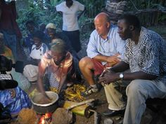 Andrew travels to Uganda, known as the pearl of Africa, where the people are friendly and the food is simple. He hunts for a fish that lives on land, harvests flying ants, and sinks his teeth into the meat of a sugar cane rat.