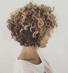 20 curly short hair pictures for pretty ladies Short Curly Hair curly hair Ladies PICTURES pretty short Short Curly Hairstyles For Women, Haircuts For Curly Hair, Curly Hair Cuts, Cool Haircuts, Curly Hair Styles, Cool Hairstyles, Hairstyle Short, Pixie Haircuts, Hairstyles Haircuts