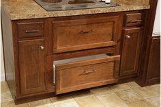 Storage below the stove top? Yes, please!    Fireside 1737 • 58FSH32644AH • 1909 sq.ft • 4 Beds • 2 Baths • $101,000 - $147,000  #dreamkitchen #kitchenstorage