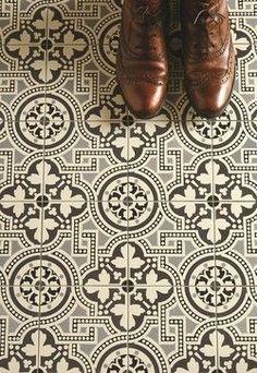 British geometric floor tiles Victorian and Edwardian patterns Bathroom Flooring, Kitchen Flooring, Hallway Flooring, Floor Tiles Hallway, Kitchen Floor Tiles, Concrete Kitchen, Stone Kitchen, Basement Kitchen, Plank Flooring