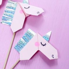Creative banknotes folding to origami unicorn – DIY tutorial Source by luisapahlke Money Origami Tutorial, Origami Easy, 5th Birthday, Diy Tutorial, Presents, Symbols, Letters, Fancy, Kids