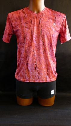 Es la Imatge de tronc surera desprès de la extracció, el color per la oxidació en aquesta en concreta es de color rosa.