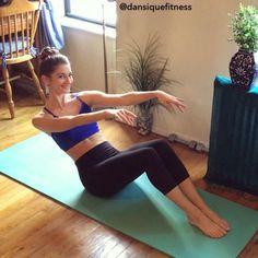Toužíte po plochém břichu, vyrýsovaných svalech, ale žádné cviky na břicho neznáte? Zkuste tyhle, zaručeně fungují a hodí se jak pro začátečníky i pokročilé Burns, Abs, Sporty, Exercise, Workout, Instagram, Training, Motivation, Fashion