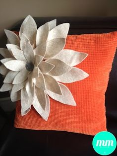 DIY Felt Flower Pillow (UpCycle a boring old pillow!)
